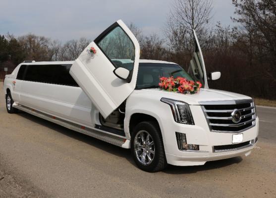 Лимузин Кадиллак Эскалейд (Cadillac Escalade) | Прокат лимузина Кадиллак Эскалейд на свадьбу